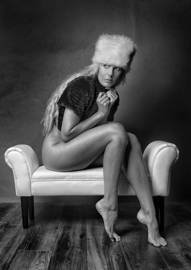warm hat studio lighting photo by photographer colin dixon