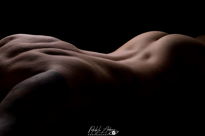 watch my back i artistic nude photo by photographer patrik lee andersson