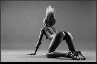 wave artistic nude photo by photographer thomas doering