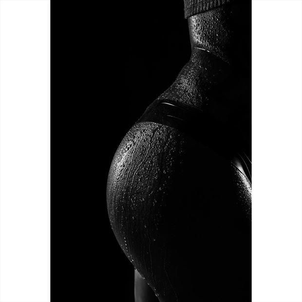 wet curves studio lighting artwork by model leggykelly