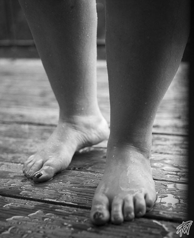 wet feet Artistic Nude Photo by Photographer PWPhoto