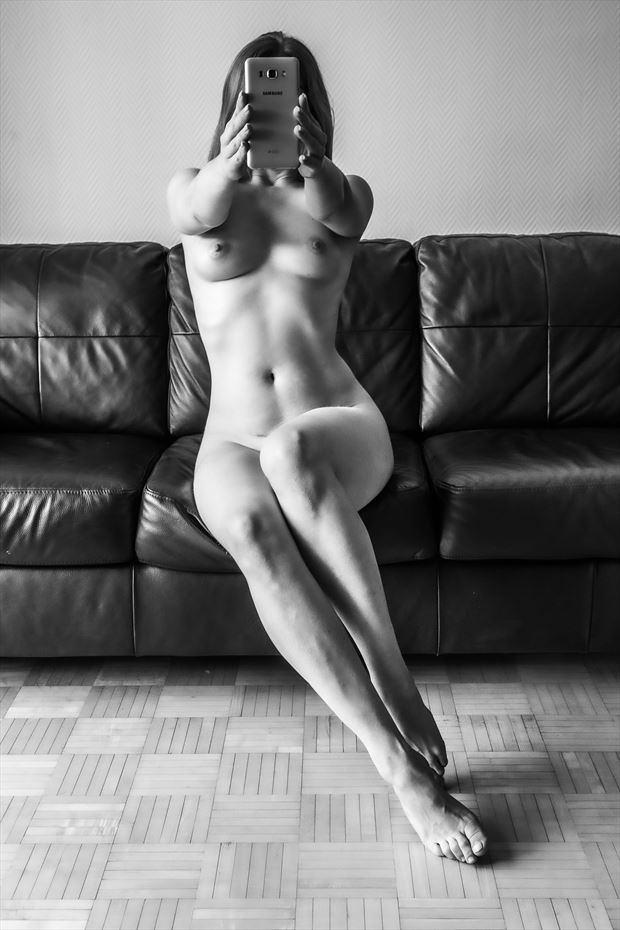 what a selfie is doing to me artistic nude photo by photographer looking_eye