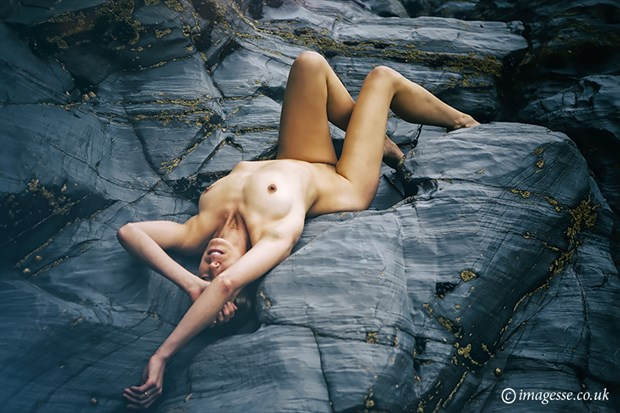 what is left behind  Artistic Nude Photo by Photographer imagesse