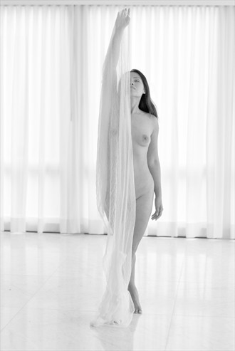 white Artistic Nude Photo by Photographer Knomad