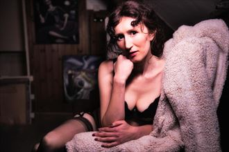 white swan self portrait photo by model eirwen kreed