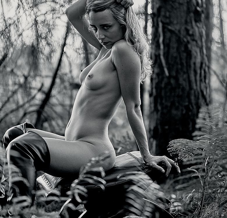 wild forest artistic nude photo by photographer 4theoneshot