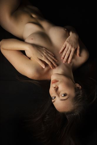 willa 4 artistic nude photo by photographer eric delaforce