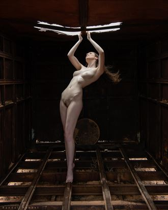 willa in the boxcar artistic nude photo by photographer randall hobbet
