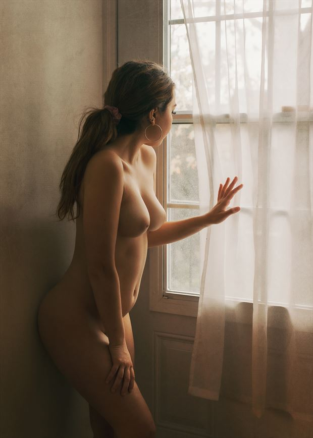 window artistic nude photo by photographer fischer fine art