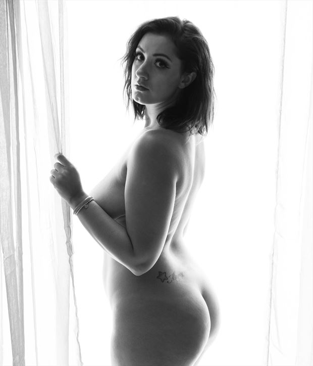 window light artistic nude photo by photographer argun tekant
