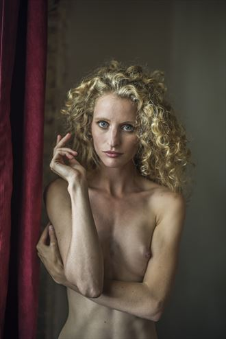 window light artistic nude photo by photographer mechasean