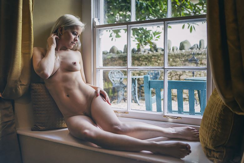 window on the world artistic nude photo by photographer imagesse