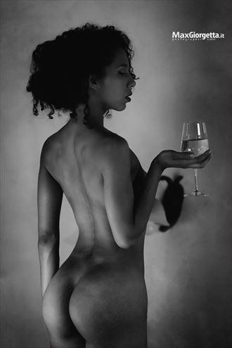wine artistic nude photo by photographer max giorgetta