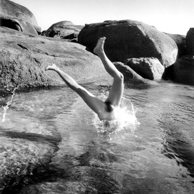 woman diving western australia 1997 artistic nude photo by photographer jbaphoto