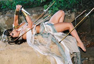 working with yaya han in atlanta fantasy photo by photographer negatives