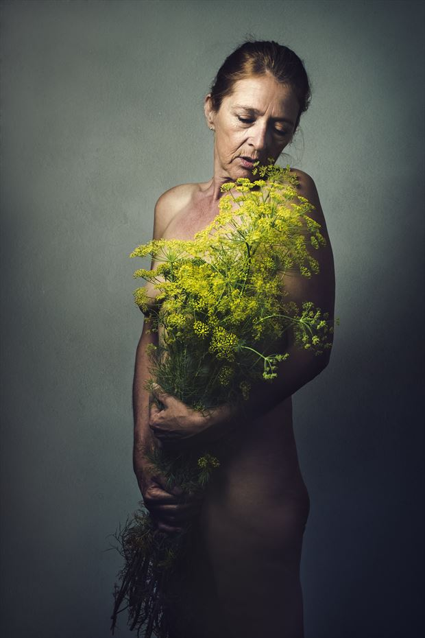 yellow by photographer gery ten broek studio lighting photo by model model heidi