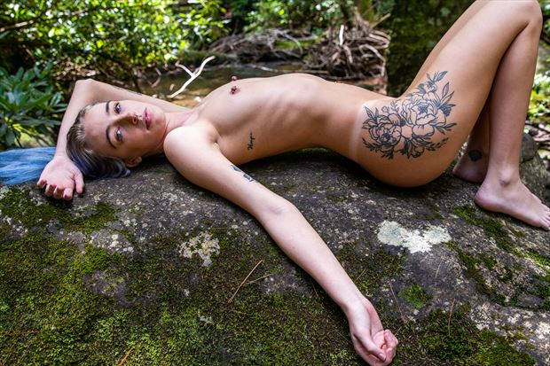 z on the rock artistic nude photo by photographer artsy_af_photography
