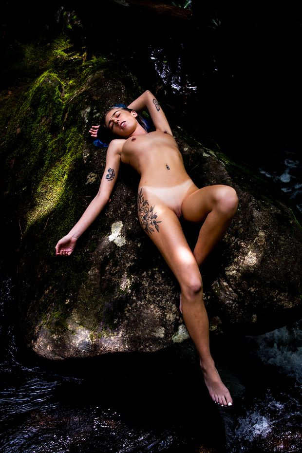 z reclining artistic nude photo by photographer artsy_af_photography