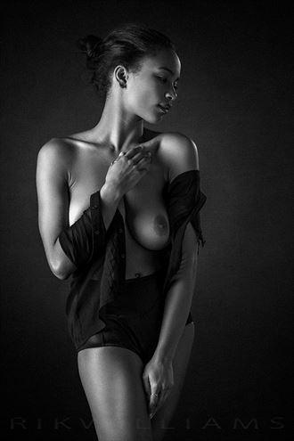 zalia artistic nude photo by photographer rik williams