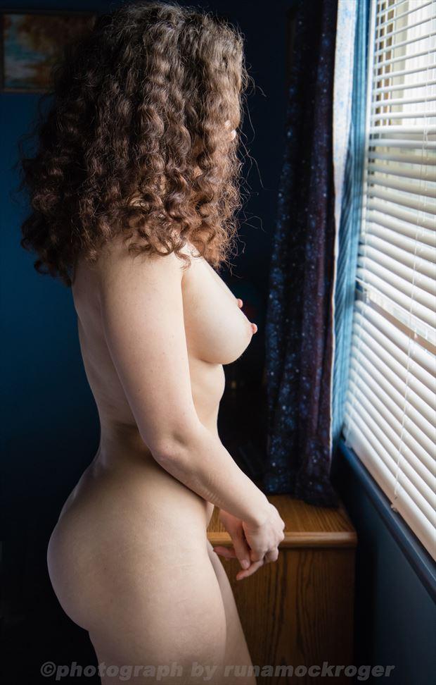 zoya artistic nude photo by photographer runamockroger