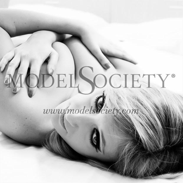 Alexis 01 Artistic Nude Photo print by Photographer MFPhotographer60