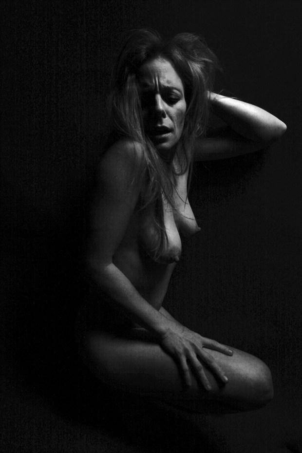 Artistic Nude Chiaroscuro Photo print by Photographer CurvedLight
