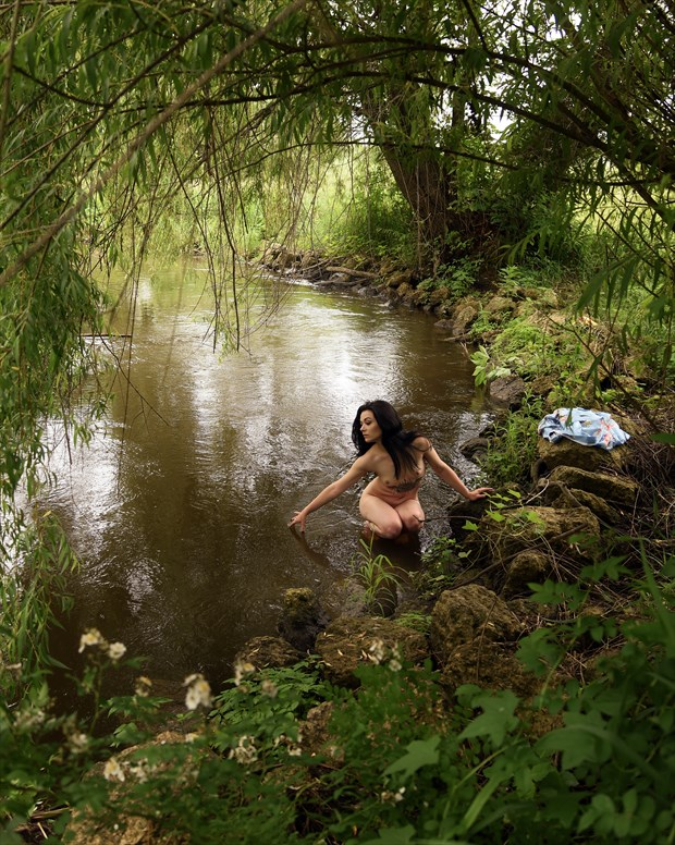 Aylin at the river bend Artistic Nude Photo print by Photographer Anchorphoto