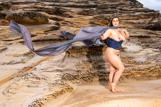 Beauty Moves in Curves Artistic Nude Photo print by Photographer Stephen Wong