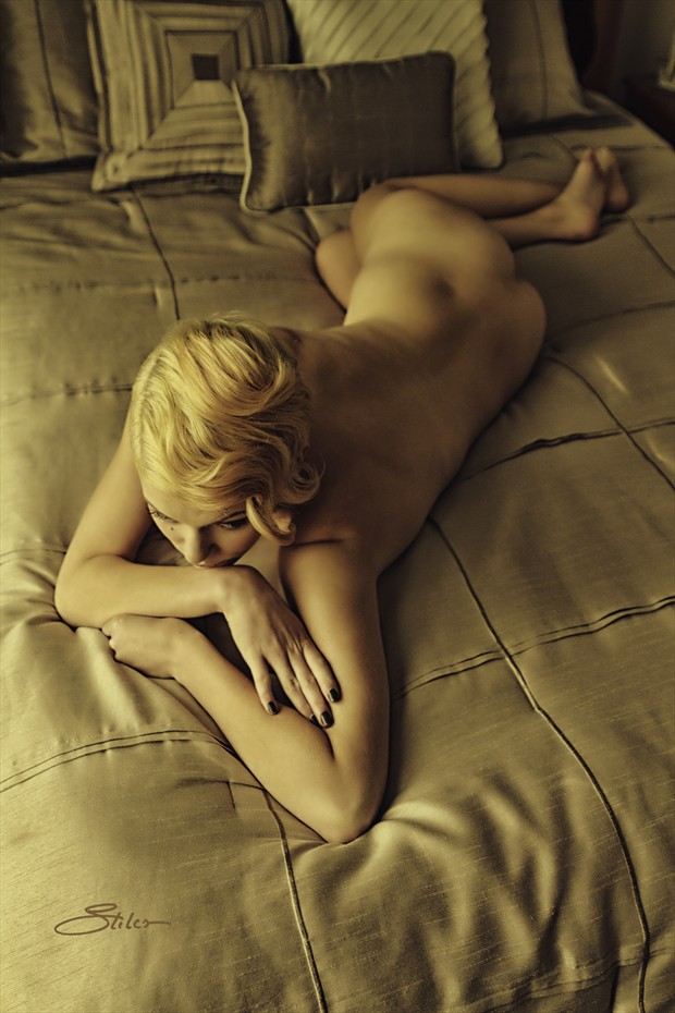Bedspread Artistic Nude Photo print by Artist Kevin Stiles