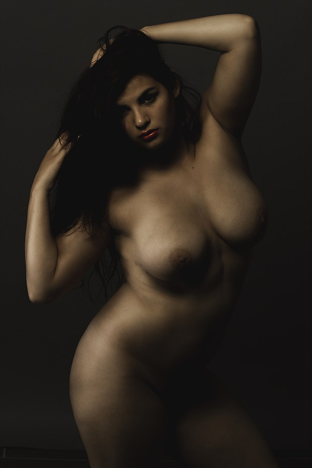 Curved Flaws Artistic Nude Photo print by Model Animaedi