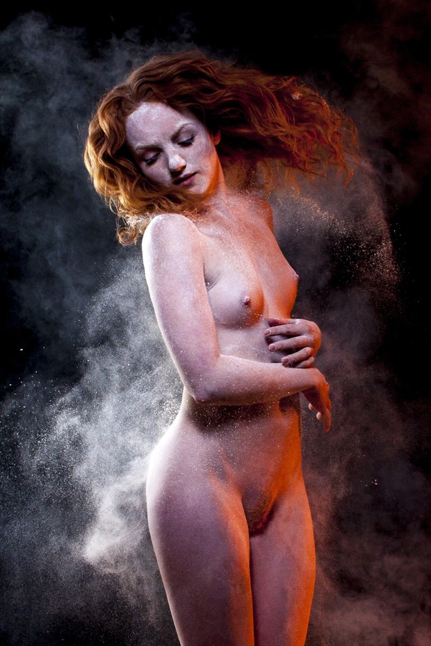 Dust party Artistic Nude Photo print by Photographer Jakz