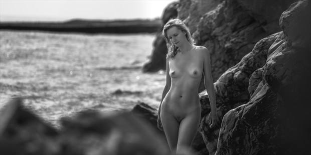 Etude by the sea Artistic Nude Photo print by Photographer dml