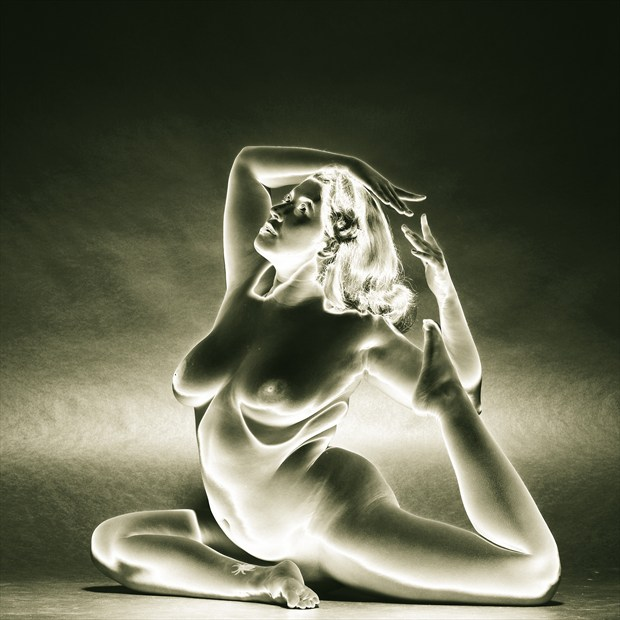 Fauxlarized Nude Study Artistic Nude Photo print by Photographer Mark Bigelow