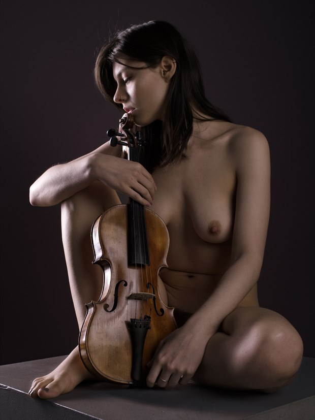 Fiddle study %231 Artistic Nude Photo print by Photographer Bruce M Walker