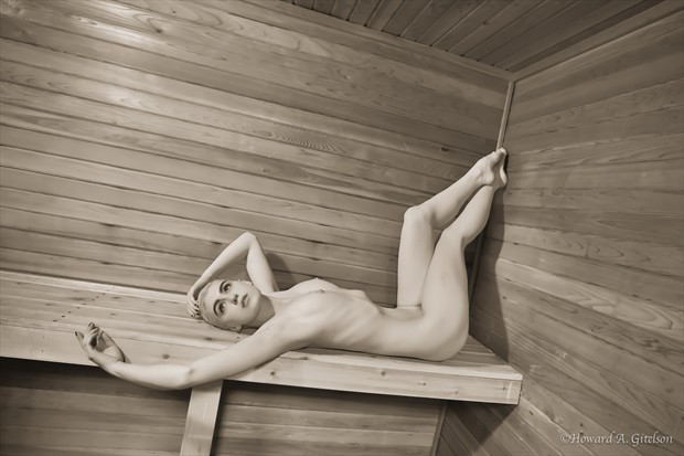 In the sauna Artistic Nude Photo print by Photographer HGitel