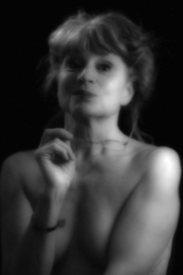 In the studio Artistic Nude Photo print by Photographer StudioVi2