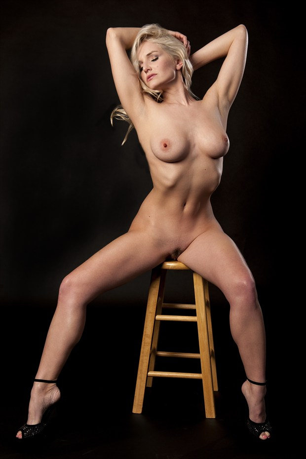 LIZ Artistic Nude Photo print by Photographer Tommy 2's