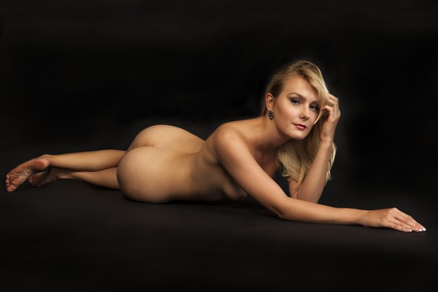 Lady Nadia Artistic Nude Photo print by Photographer Tommy 2's