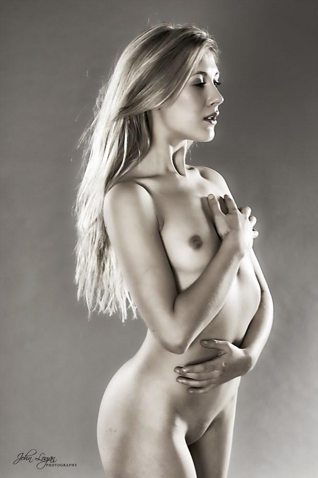 Momentos Artistic Nude Photo print by Photographer John Logan