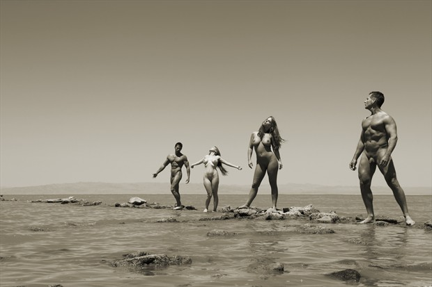 People At The Sea Artistic Nude Photo print by Photographer David Winge