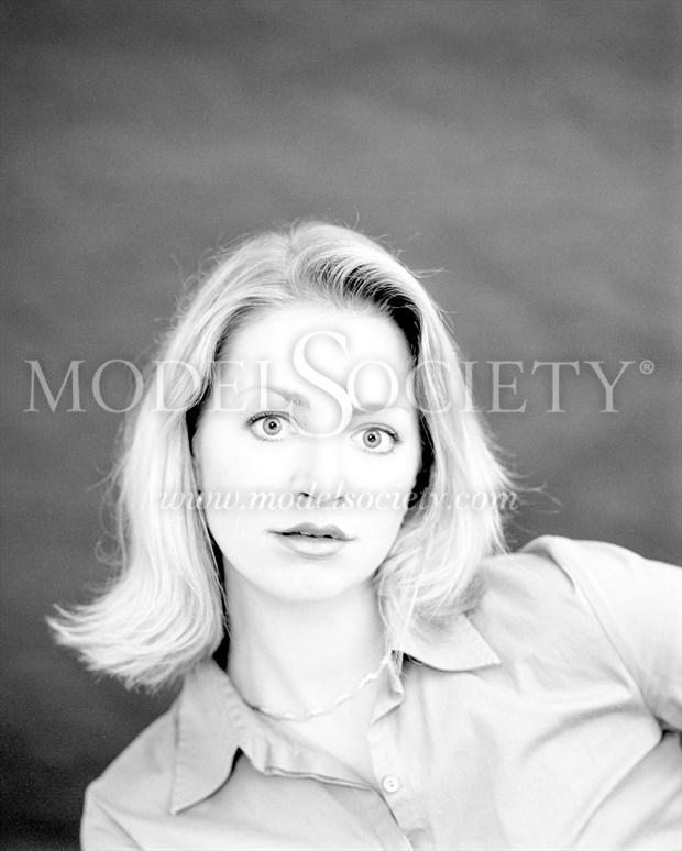 Portrait Expressive Portrait Photo print by Photographer ewe