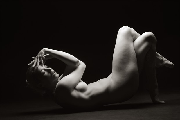Reclined Pose  Artistic Nude Photo print by Photographer Mark Bigelow