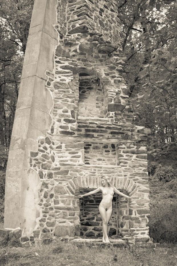 Ruins Artistic Nude Photo print by Photographer Kor