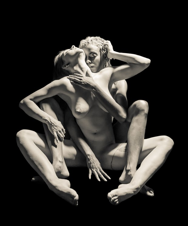 Sasha and Nije 4 Artistic Nude Photo print by Artist Freddie Graves