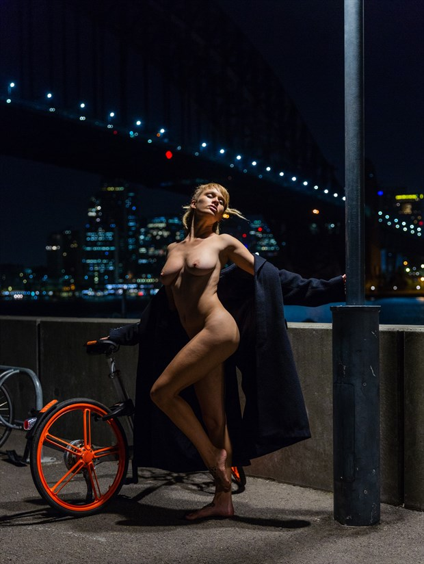Under the street lamp Artistic Nude Photo print by Photographer Stephen Wong