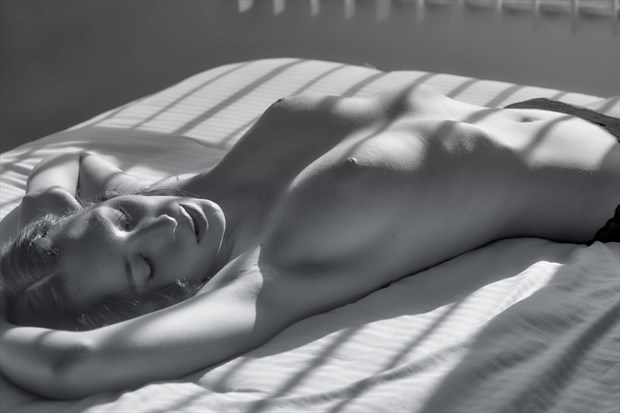 Willa in Recline. Artistic Nude Photo print by Photographer PhotoGuyMike