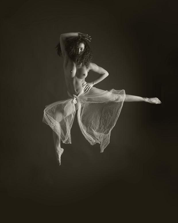 artistic nude chiaroscuro photo print by photographer aj kahn