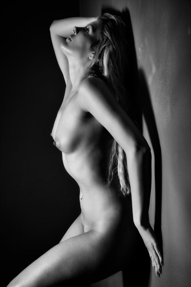 back against it artistic nude photo print by photographer colin dixon