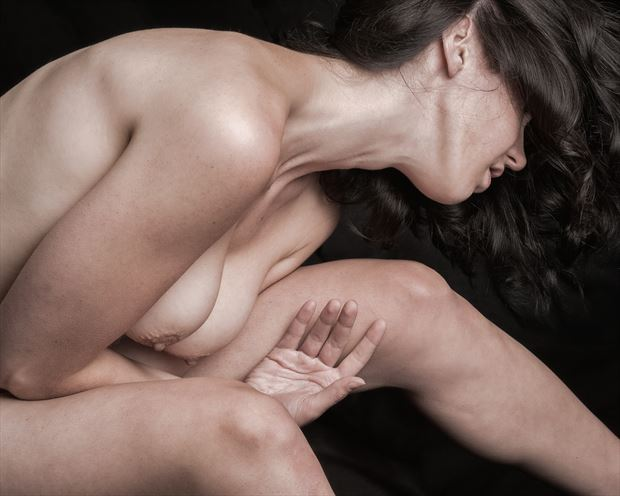 bend and stretch artistic nude photo print by photographer rick jolson