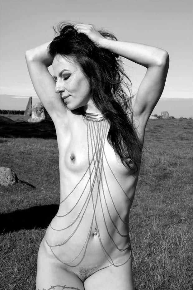 blackswann sesnsual artistic nude photo print by model blackswann_portfolio
